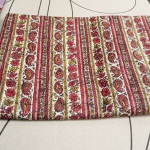 Vintage Paisley Lightweight Cotton Fabric 4y X 35""